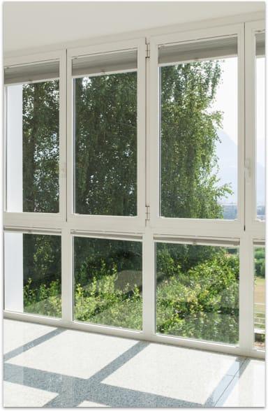 le nettoyage vitres domicile par des professionnels pour. Black Bedroom Furniture Sets. Home Design Ideas