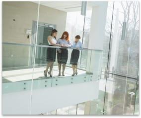 nettoyage-garde-corps-verre-et-balcons-vitres-professionnel